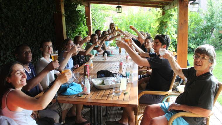 Pause boisson au restaurant à Soccia