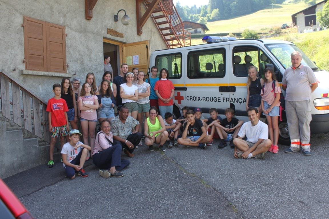 Le groupe avec les formateurs de la Croix Rouge