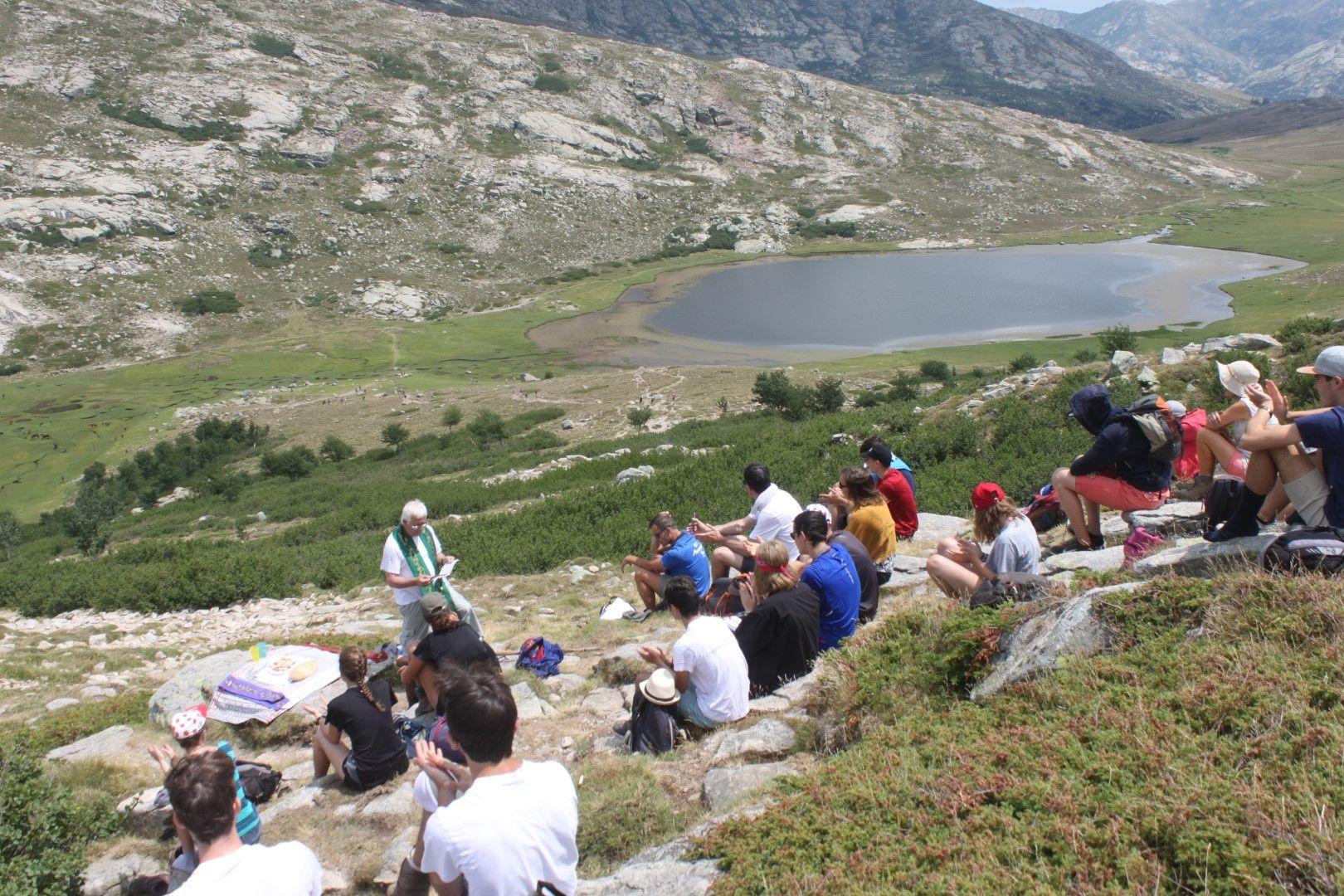 Messe au lac de Ninu